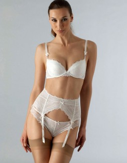 Nicole White Padded Plunge Bra, Knicker and Suspender